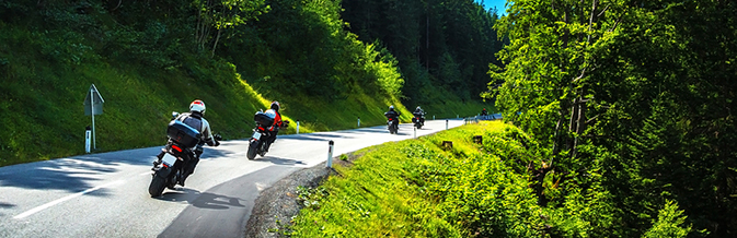 Bikers-in-mountainous-tour